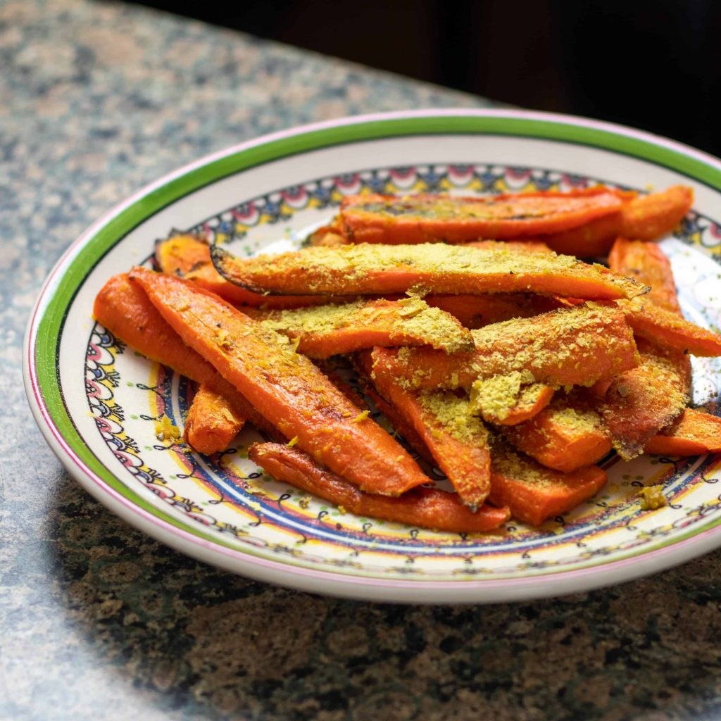 roasted carrots with nutritional yeast
